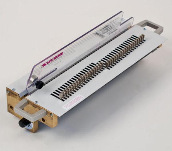 Renz Stanzwerkzeug für DTP 340 M Vierkant  5,5 x 3,5 mm, Teilung 2:1 ohne Daumenloch